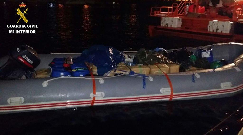 Fuerteventura: в прибрежных водах задержана надувная лодка