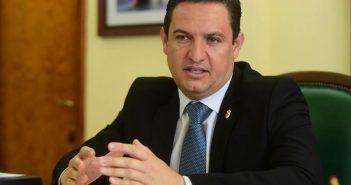Алькалд муниципалитета Arona просит привлечь парламентариев к решению проблемы с пробками на дорогах