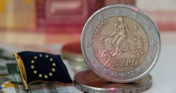 """Евро поднялся, но его вскоре ждет новое """"испытание огнем"""""""