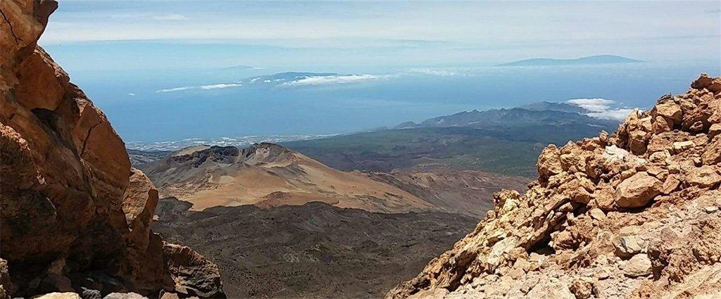 Вулкан Dorsal Noroeste на острове Тенерифе выпускает много углекислого газа