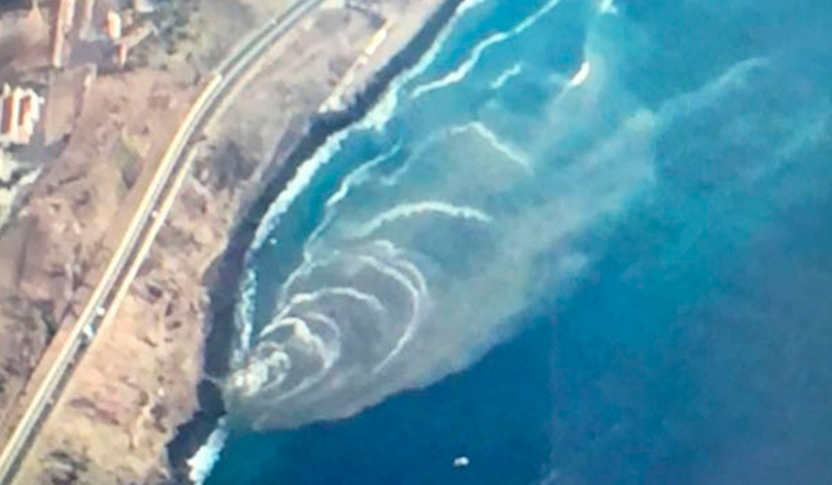 На улицах архипелага растет возмущение сливами сточных вод в океан