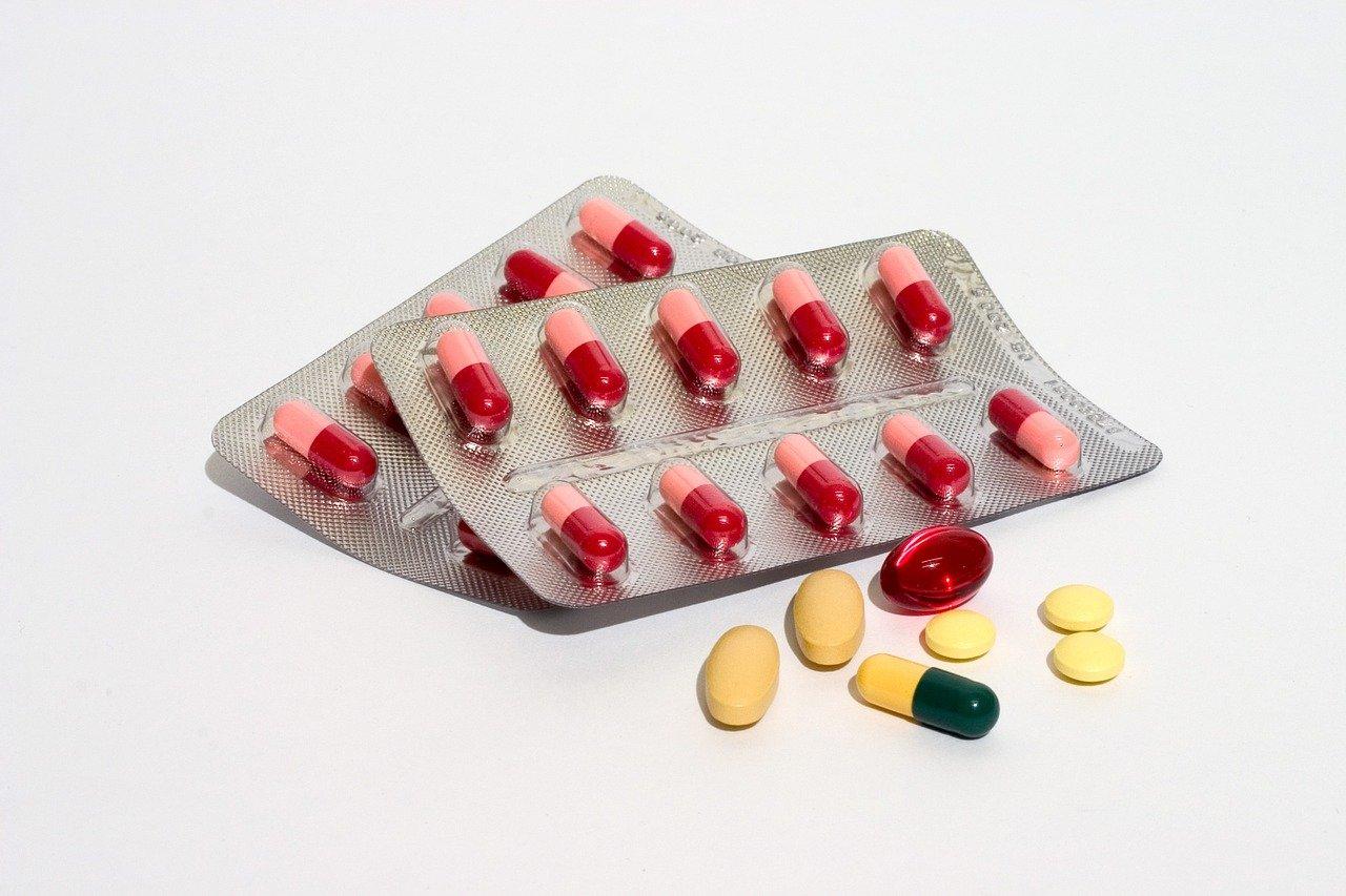 Десятки арестованных в Испании за продажу контрафактных лекарств