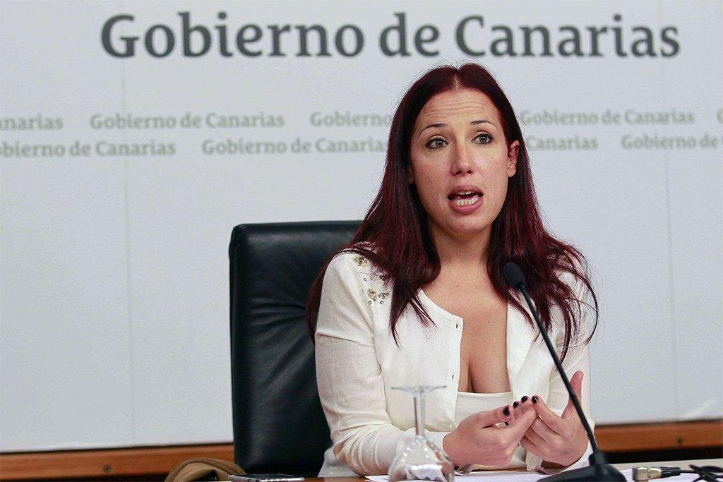 Вся оппозиция обвиняет правительство Канарских островов во лжи своим гражданам