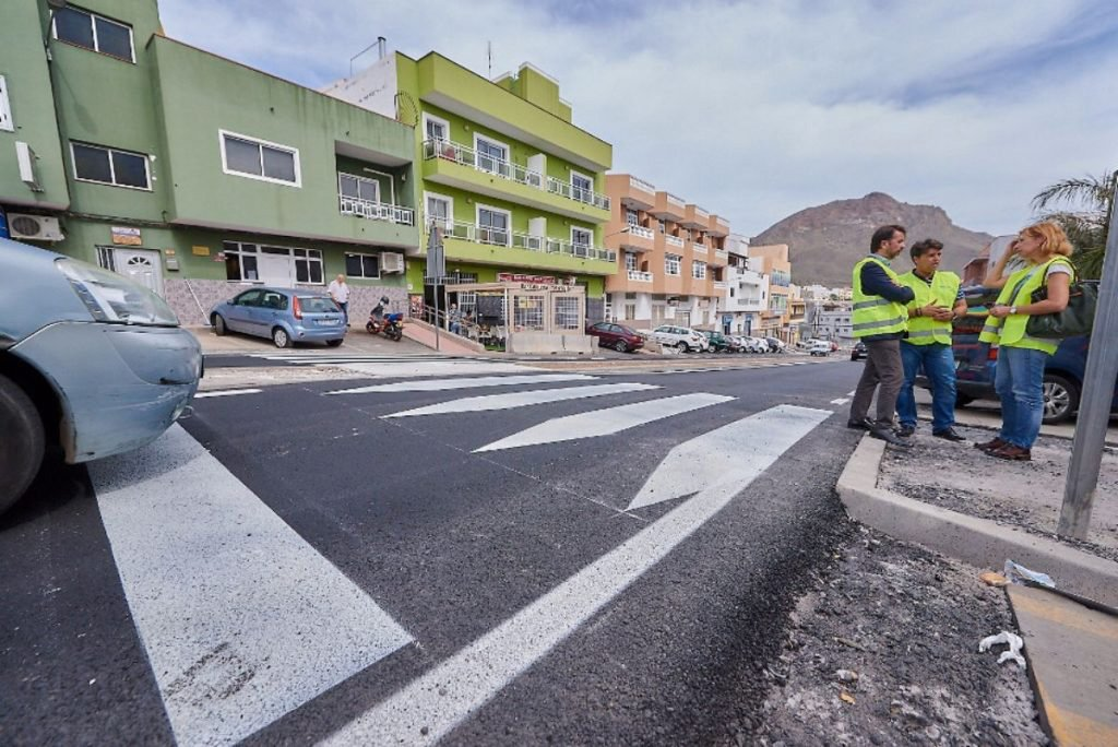 Заканчиваются ремонтные работы на дороге, соединяющей Valle San Lorenzo с Guaza