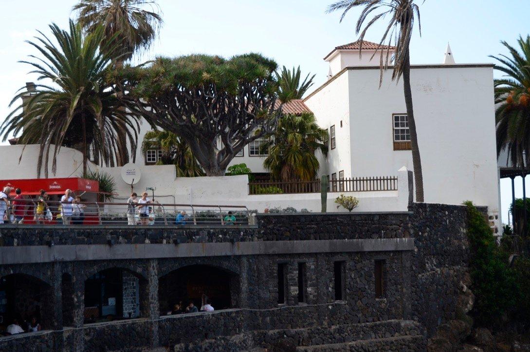 Трое испанцев не справились с двумя туристками, зато с ними самими справилась полиция