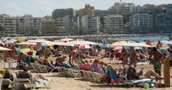 Любовь туристов штука злая: мало кто хочет отдыхать в проблемной Каталонии