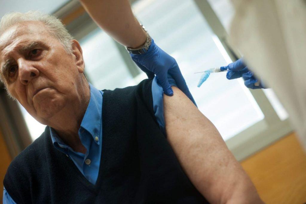 Вакцинация на 80% снижает риск смерти от гриппа