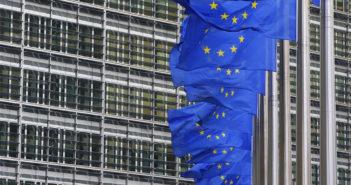 Брюссель продвигает европейский МВФ для защиты евро