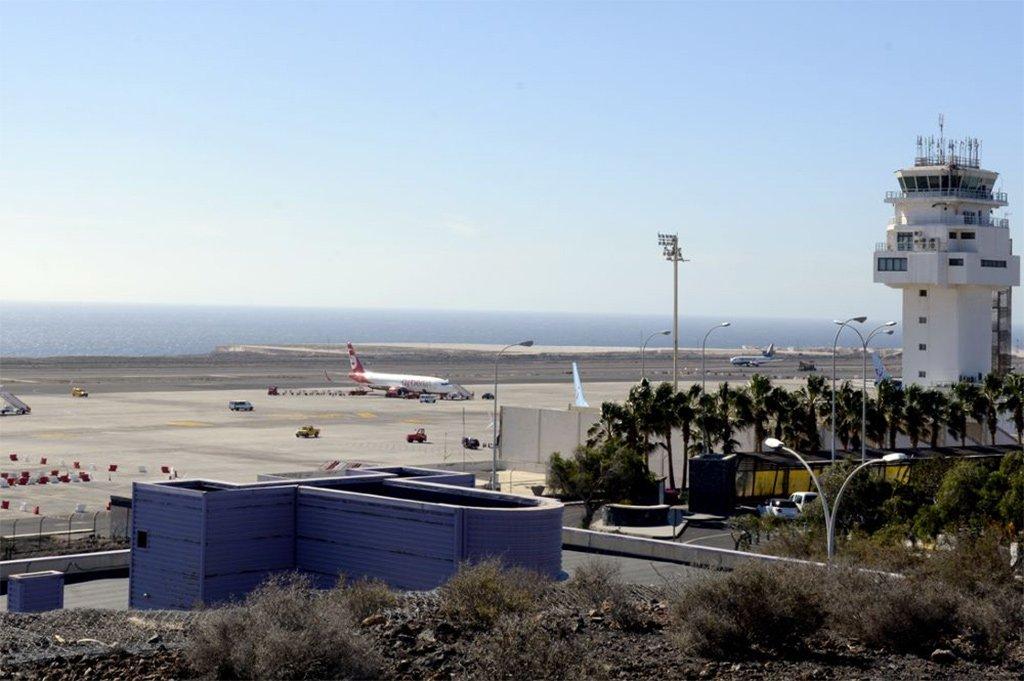 """Аэропорт """"Reina Sofia"""" на юге Тенерифе не будет работать два месяца по ночам"""