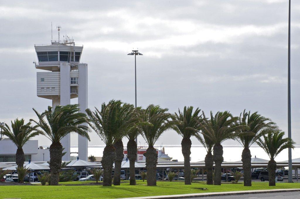 Трое китайцев попались на острове Lanzarote с фальшивыми документами