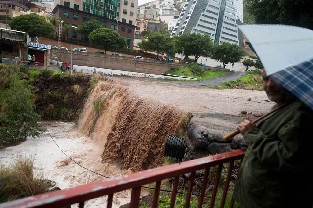 Правительство объявило об окончании действия предупреждения о дождях и ветрах
