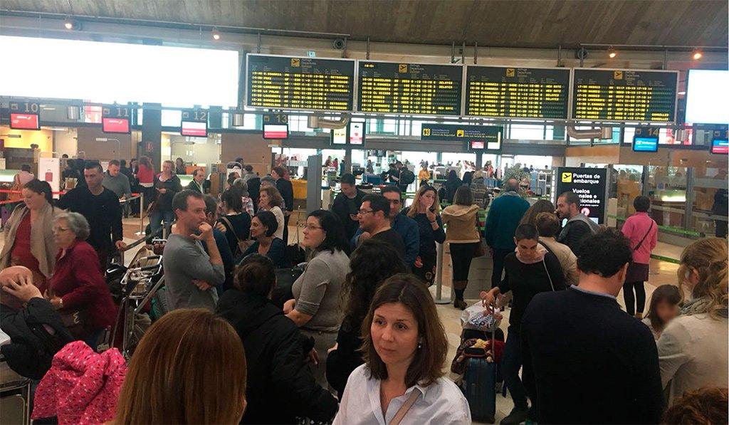 Семь рейсов уже отменены на западных островах архипелага из-за ветра