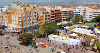 В El Médano на выходные - крупная ярмарка для всех желающих