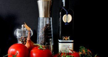 Цена на оливковое масло сильно упала, но это падение еще не дошло до супермаркетов