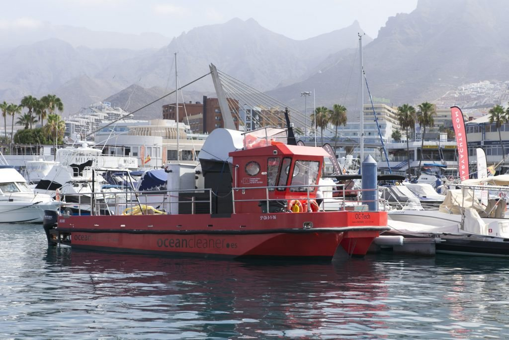 Два пятна микроводорослей обнаружено возле побережья Тенерифе