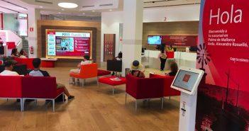 Santander с понедельника будет работать и после обеда, в 500 офисах