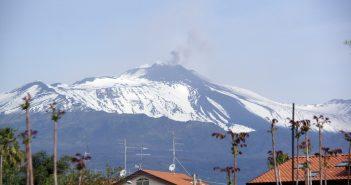 Риск, который учёные обнаружили в Этна: цунами может охватить всё Средиземноморье