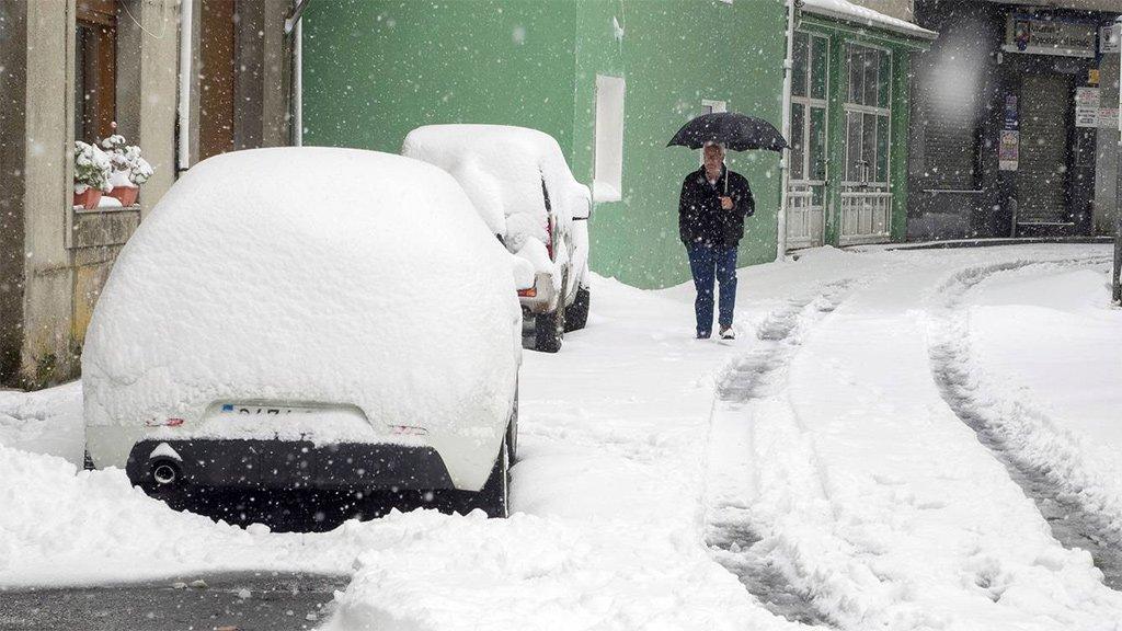 Дождь и снег на севере Испании и 28 провинций в ожидании плохой погоды в этот понедельник