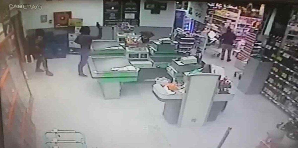 На Тенерифе ищут трёх мужчин после нападения на супермаркет в La Esperanza