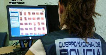 Тенерифе: шантажировал девушек от 14 до 17 лет, запугивая их в сети