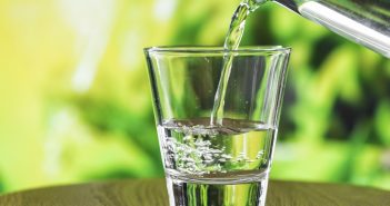 Arona делает скачок в качестве воды, с периодическим анализом в домах, школах и медицинских центрах