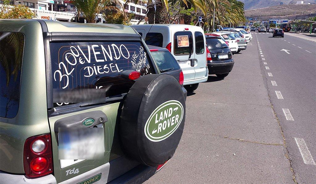 Предприниматели Arona и Adeje требуют больше мест для парковок