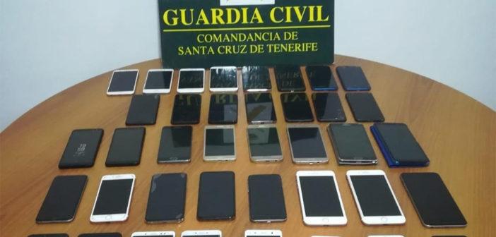 Detienen a un joven por robar 38 móviles en el Carnaval de Santa Cruz