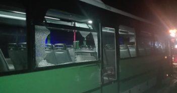 Украли автобус, когда удирали, столкнулись с полицейским автомобилем