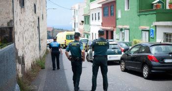 Фальсифицировали на Тенерифе документы для мигрантов