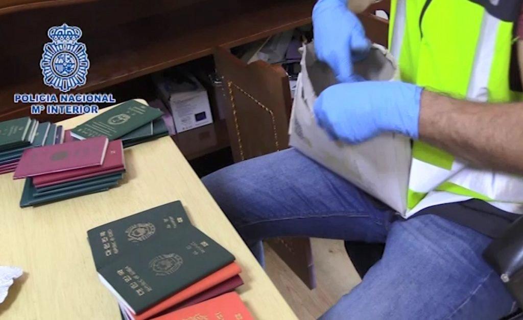 Задержаны преступники, использовавшие канарские аэропорты для торговли людьми