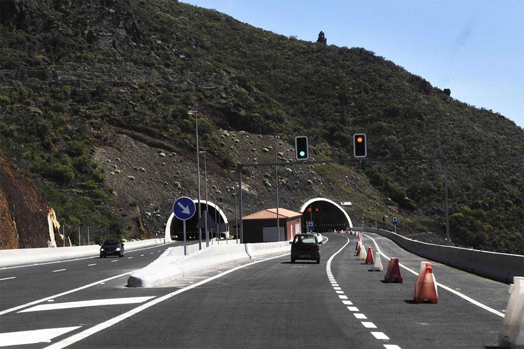 У правительства Канар есть финансирование на дороги, но не хватает проектов