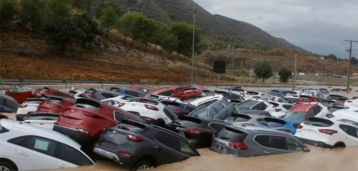 """Наводнения в Испании: безжалостная """"Gota fría"""" уже унесла жизни нескольких человек"""