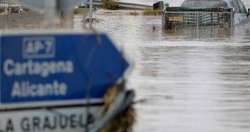 Ненастье в Испании унесло несколько жизней, тысячи были эвакуированы, миллионы ущерба