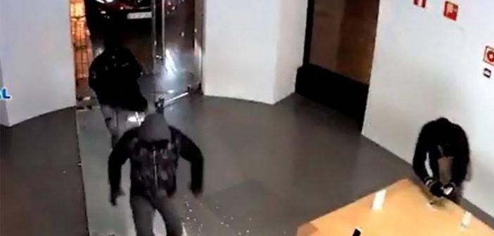 """Румыны снова отличились в Испании - """"чистили"""" магазины за секунды"""