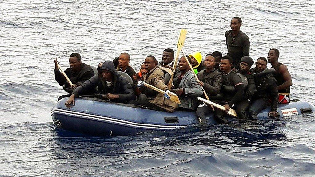 На Канарах предлагают создать центры приема мигрантов
