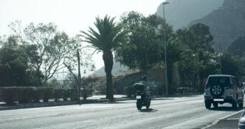 """Мотоциклист """"всего"""" в три раза превысил допустимую скорость"""