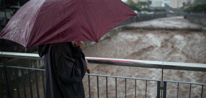 Канары: шторм с дождём, снегом и сильными ветрами