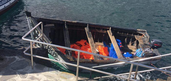 Лодка с нелегалами из Африки - теперь в Los Abrigos
