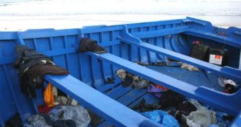 Los Cristianos: лодка с тремя десятками мигрантов на пляже Las Vistas