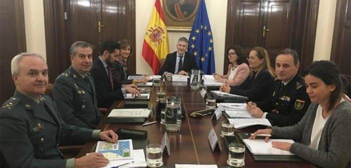 Нелегальные мигранты на Канарах - прошла встреча в Мадриде