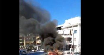 Столб дыма после пожара нескольких автомобилей в Los Cristianos