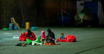 """Канарские острова получили 1000 """"лодочных иммигрантов"""" всего за полтора месяца"""