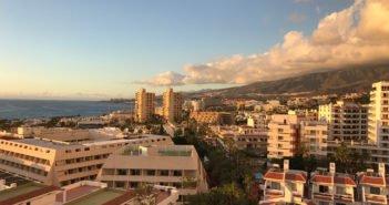 Выходные с облаками на севере Канарских островов и солнцем в полдень