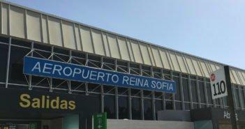 Канары закрывают свои отели, а Испания и Европа-свои границы