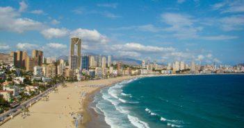 Авиакомпании и туроператоры возвратятся в Испанию