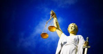 5-й этап деэскалации: правительство в судах за пренебрежение правами