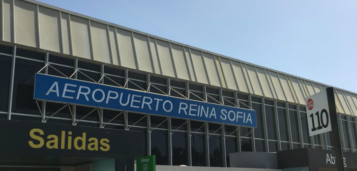 Канары просят включить южный аэропорт Тенерифе в список приёма туристов