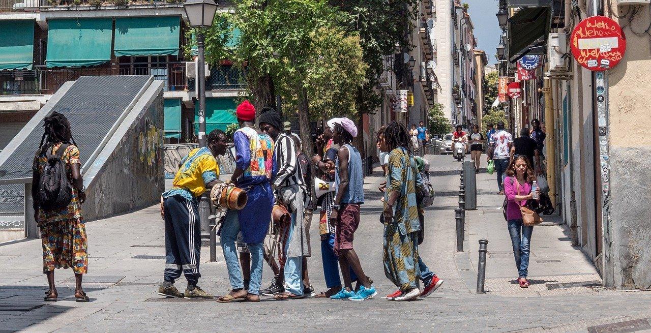 Миграционный пакт, основанный на защите границ и высылке нелегалов, продвигает ЕС