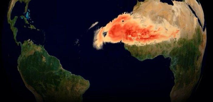 """""""Годзилла"""" - буря из песка, пересекающая Атлантику через Канарские острова"""