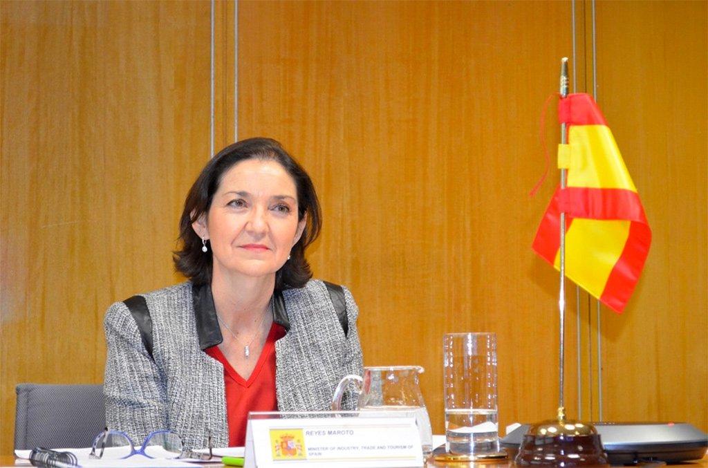 Мадрид обещает спасти туристический сектор Канар от катастрофы